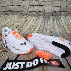 Nike Air Max 1 LX size 11